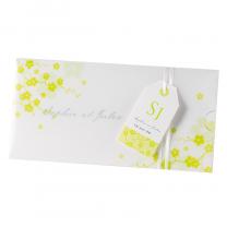 Einladungskarten mit transparentem Umleger, zartem Blumenmotiv und edlem Satinbändchen