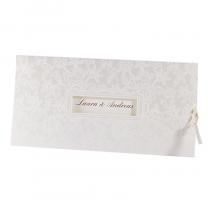 """Hochzeitseinladungen """"Vintage"""" mit schöner Fensterstanzung und floralen Elementen in Weißfolienprägung"""