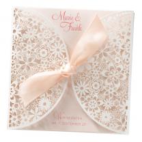 """Romantische Hochzeitskarten """"Blumenspitze"""" auf schimmerndem Metallickarton"""