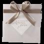 Edle Hochzeitseinladungen mit eleganter Zierschleife