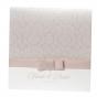 Klassische Hochzeitskarten mit festlicher Zierschleife und luxuriöser Perlenapplikation