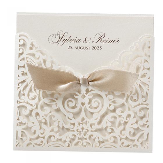 """Edle Hochzeitskarte """"Ornament"""" mit feiner Spitzenstanzung und eleganter Zierschleife"""
