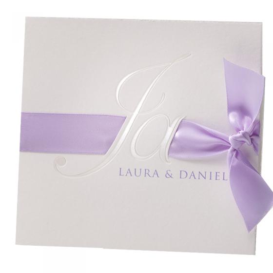 Handgeschöpfte Hochzeitseinladungen mit elegantem Satinband