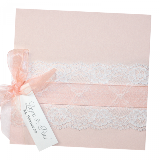 """Hochzeitseinladung """"Romantische Spitze"""" aus pastellfarbenem Metallickarton mit zartem Spitzen- und Organzaband"""