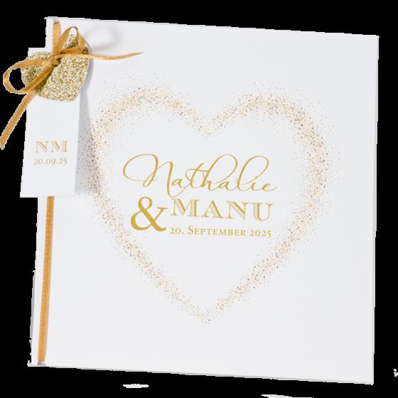 """Herzliche Hochzeitseinladung """"Glamourös"""" mit edler Goldfolienprägung, extravaganter Glitzerherz-Applikation an einer zarten Zierschleife"""